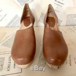 NIB Free People luggage brown leather Cut Out Side Wood Platform Heel Clog 37 /6