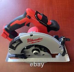 Milwaukee 2631-20 18v Brushless 7-1/4 In. Scie Circulaire (outil Seulement) Nouveau Navire Gratuit