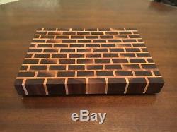 Planche À Découper Grain Fin En Brique D'érable Et Noyer Butblock Delta Wood Products